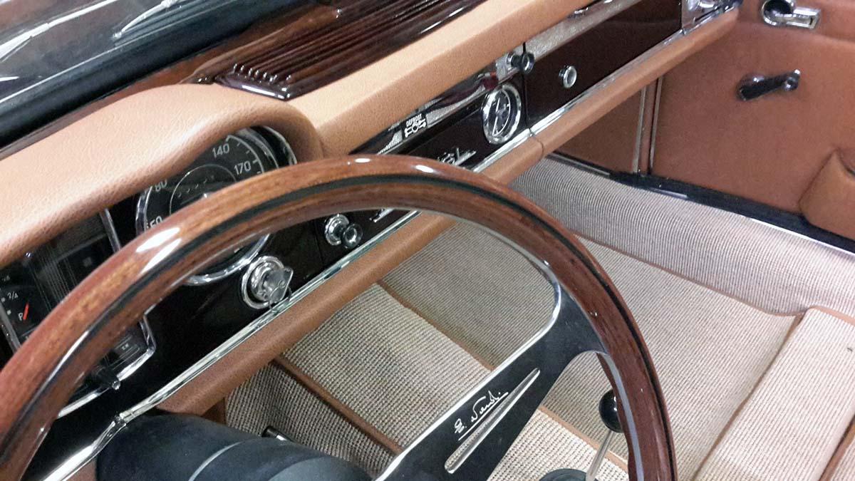 Mercedes pagoda W113 230SL barna