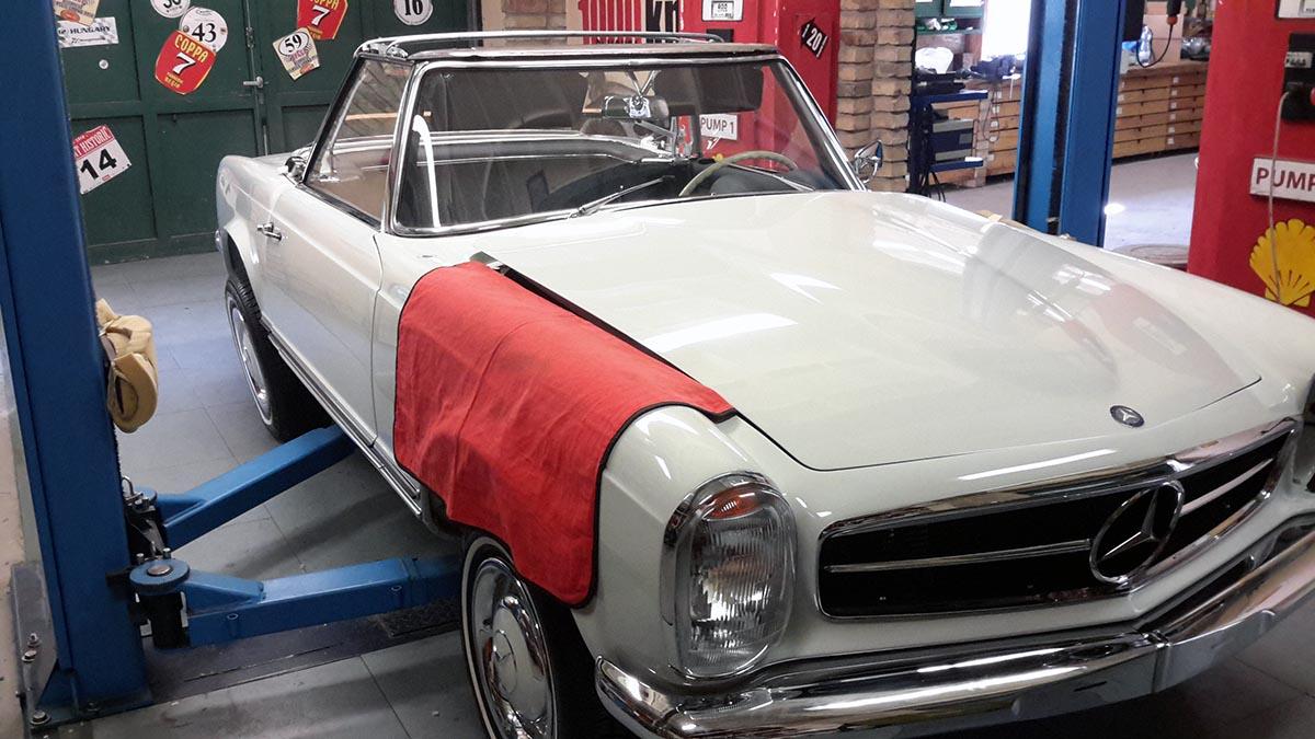 Mercedes W113 Pagoda 230 SL fehér (1963)