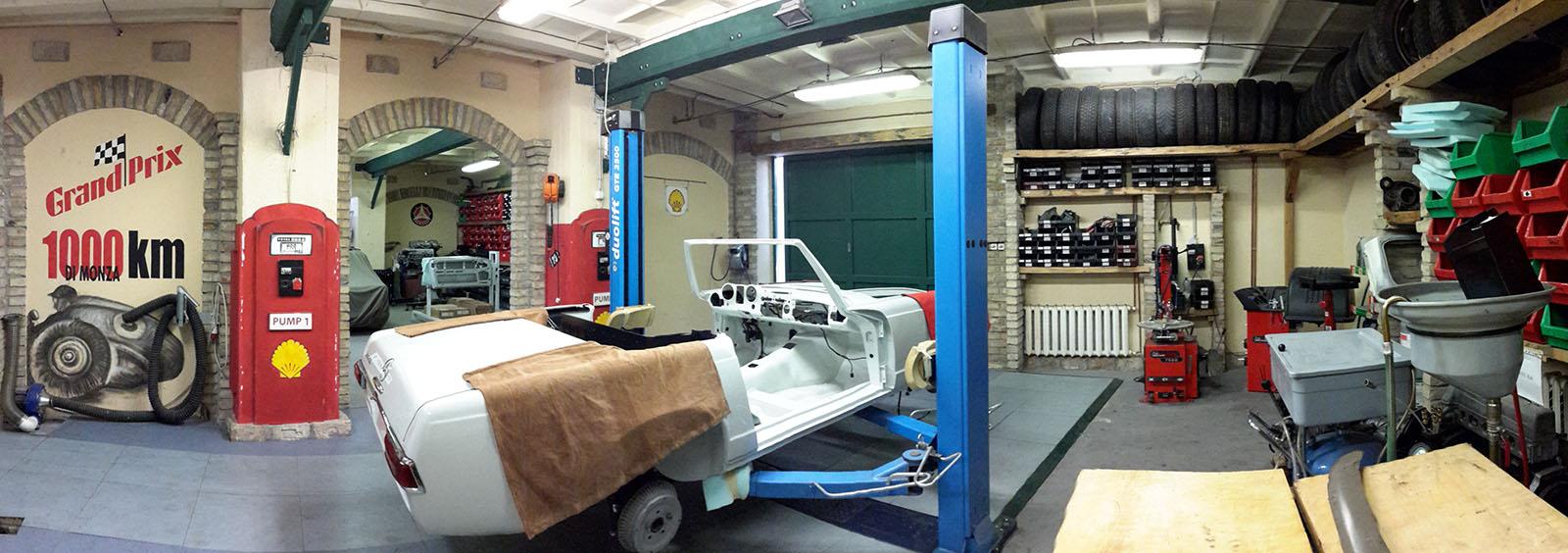 Mercedes W113 műhely