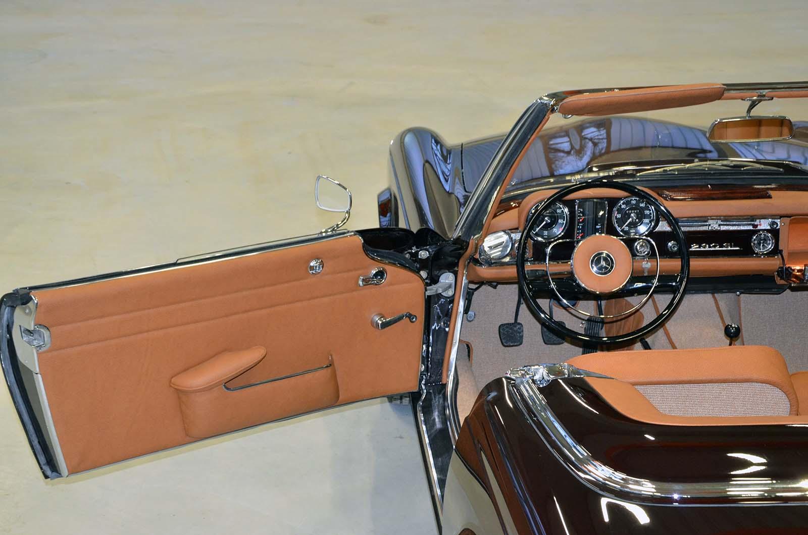 Mercedes W113 Pagoda 230 SL barna, pezsgő